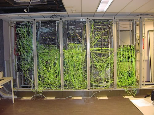 Najgorzej okablowane serwerownie - wymieszana skrętka